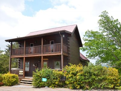10% off remaining NTS in Dec.! LARGE CABIN SECONDS FROM DWNTWN! CALL NOW, WILL BOOK FAST!