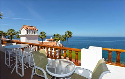 Photo for Well-appointed Villa, ONLY 4 Steps, Breathtaking Ocean Views, Fireplace
