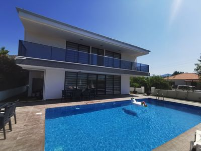 Photo for stunning 5 bed villa Deluxe D1