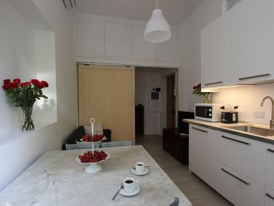 Photo for CAMPOBOARIO7. Elegant and well-kept apartment facing the Aurelian Walls