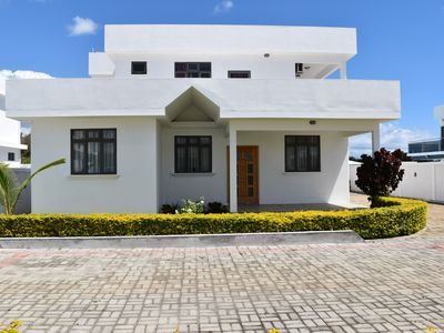 Photo for Luxury villas with Private swimming pool - Brighthelm villas, Pereybere