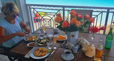 Our guests enjoying their breakfast!
