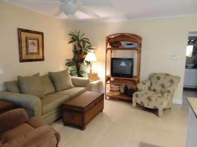 Photo for BbPeaceful and nice condo, professionally decorated, yet affordable.