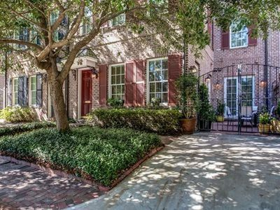 Photo for Luxury 3Bed Townhome in Historic Downtown Savannah