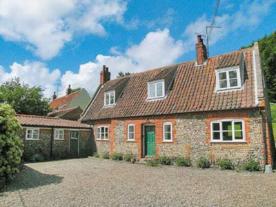 Photo for 4 bedroom accommodation in Stiffkey