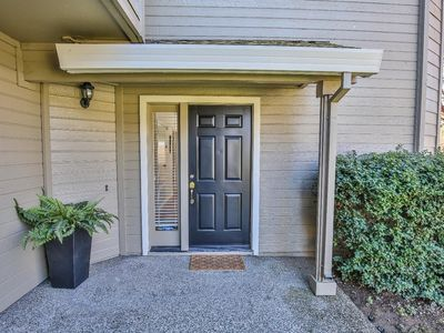 Photo for Big, Beautiful and Convenient Sierra Oaks