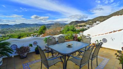 Photo for Spacious 2 bedroom, 2 bathroom apartment with superb views of mountains and sea