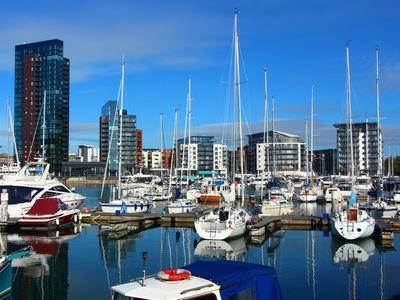 Photo for Luxury 2 bed/2 bath apartment with marina views in city centre