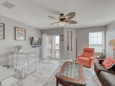 Photo for Spacious condo across from the beach w/ Gulf/bay views & a shared pool!