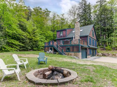 Photo for 4BR Mountain Retreat Near Storyland! Fire Pit, AC, Large Deck w/ Hot Tub!