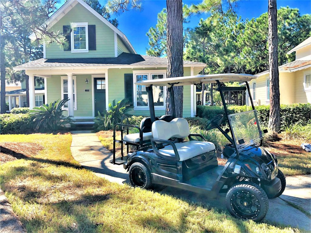 Relaxing Family Cottage close to Beach and Pool. New Pillow Top Beds on exciting golf, natural golf, lazy golf, peaceful golf, cute golf, captain kangaroo golf, playing golf,