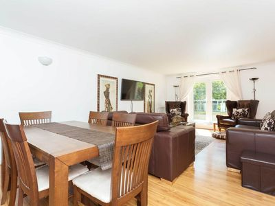 Photo for Stylish west London property, located close to beautiful Canals (Veeve)