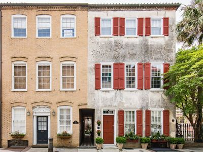 Photo for Sophisticated downtown studio with balcony, in French Quarter with WiFi!