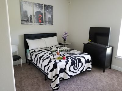 Look no further! Comfort , peace and quiet. Room in house