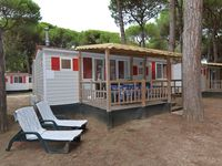Mobile home very clean campsite with good shopping and a private, wide beach. St ...