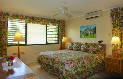 Photo for Seafront, Free Cook & Housekeeping, in Gated Community, 4 Beds, 2 Bdrms, (JhV25)