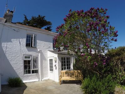 Photo for Charming cottage in Crantock Village, 5 minutes walk from stunning beach