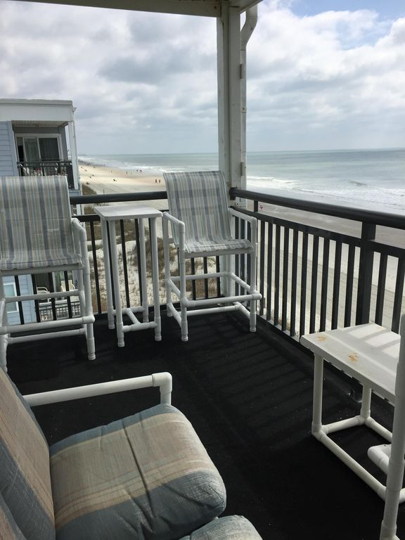 Perfect Location Right By Garden City Pier Beachfront Condo With Private Pool Garden City