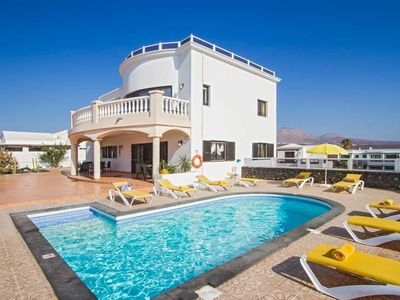 Photo for 6 bedroom Villa, sleeps 12 in Puerto del Carmen with Pool, Air Con and WiFi