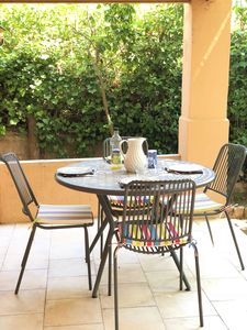 Photo for Pleasant bottom of villa T2, terrace, parking, wifi, everything on foot, near beach