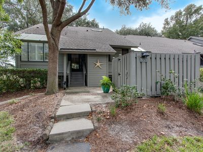 Photo for Beautifully Remodeled Spacious End Unit in Palmetto Dunes Resort, Sleeps 10