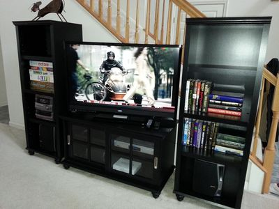 Brand new 47' 3D Smart (Wi-fi-enabled) HDTV