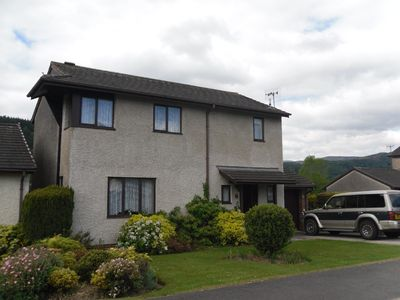 Spacious detached 3 bedroomed house with views