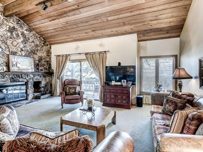 Photo for Affordably Priced Cosy Townhome, On-Site Hot Tub and Resort Shuttle Service