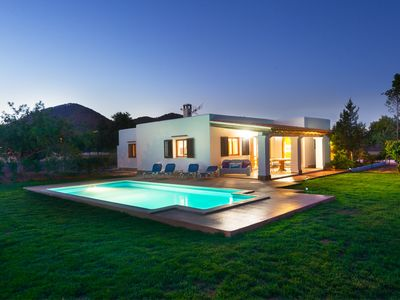 Photo for Villa for 8 people with 4BD at 1,5km from ibiza town.