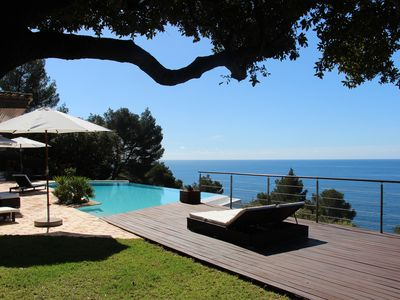 Photo for Exceptional property facing the Islands, feet in the water for a dream holiday