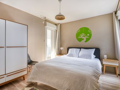 Photo for Spacious Apartment with Stunning view of Paris la Défense | fits up to 8