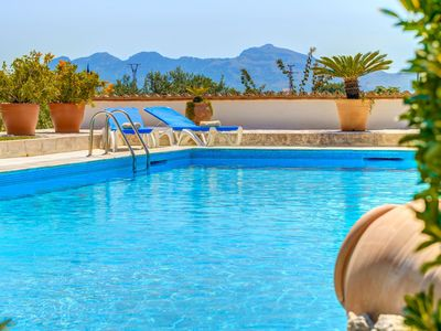 Photo for Villa Piedra with Fantastic Garden, Pool, Mountain View, Air Conditioning & Wi-Fi; Parking Available