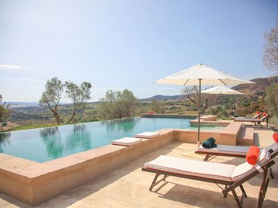 Photo for Villa San Giorgio is a beautiful villa in Val d'Orcia, Tuscany with private pool, 4 bedrooms 4 bathr