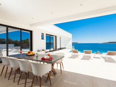 Photo for Beachfront Villa Blue Heaven with Pool