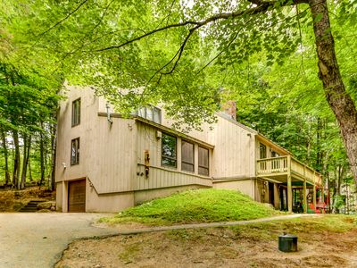 Photo for 5BR Freestanding Townhouse -10 Min to Storyland, Cable, WiFi & AC, Hot Tub!
