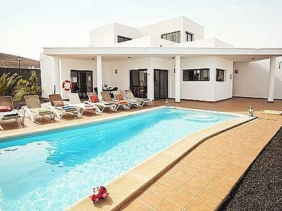 Photo for Detached Villa With Private Heated Pool And Free Wifi. Sleeps 8 (4 Bedrooms)