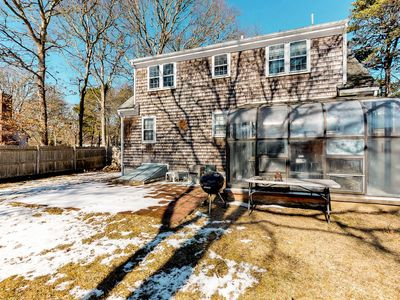 Photo for Comfortable, dog-friendly cottage w/ gas grill & sun room - close to the water!