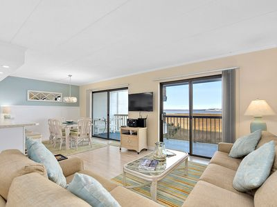 Photo for Bay front 2 BR 2BA condo with outdoor heated pool
