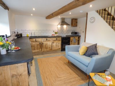 Photo for THE DAIRY, pet friendly, with a garden in Chulmleigh, Ref 954129