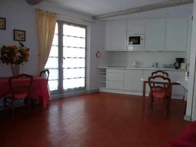 Photo for Charming studio in quiet street 80 meters from the beach - Toulon Mourillon