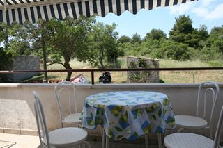 Photo for Apartment with kitchen, air conditioning, barbecue - your dog is also welcome