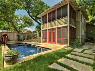 3BR/3BA Hyde Park House in Central Austin with Private Pool and Spa