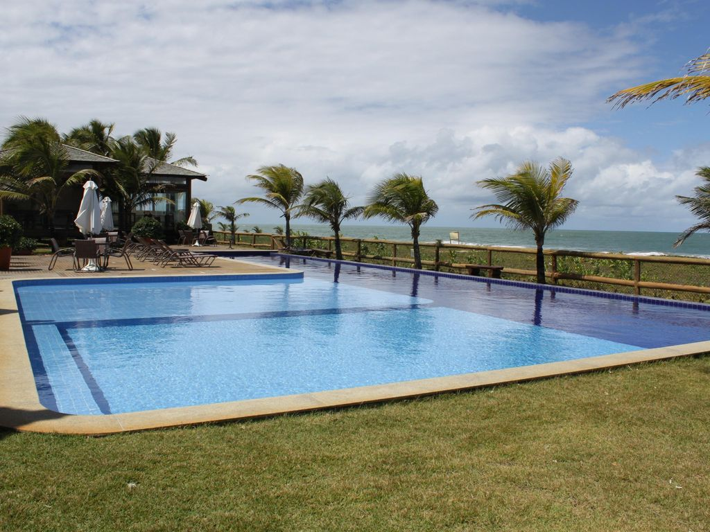 Bungalow the seafront with invisible edge homeaway - Invisible edge pool ...