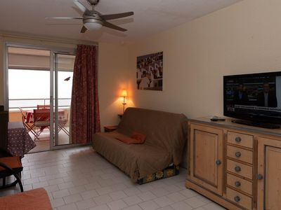 Photo for rental of a beautiful studio with stunning views of the sea for 2 beds.
