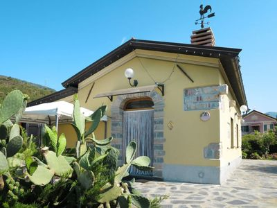 Photo for Santa Vittoria di Libiola Holiday Home, Sleeps 6 with Pool, Air Con and Free WiFi