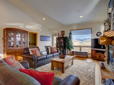 Photo for Large home with amazing views, central location, and outdoor hot tubs