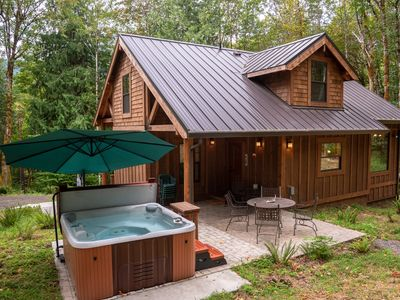 Photo for 2BR Cabin Vacation Rental in Welches, Oregon