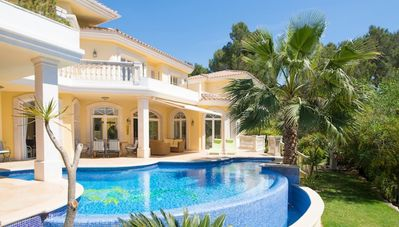 Photo for Luxury Villa with Views over the Marina