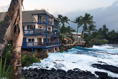Kona Luana:  Ocean view: Any closer, you'll be swimming.