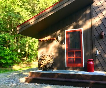 Photo for Cozy Home on 2 Private Wooded Acres, Close to Magic, Bromley & Stratton